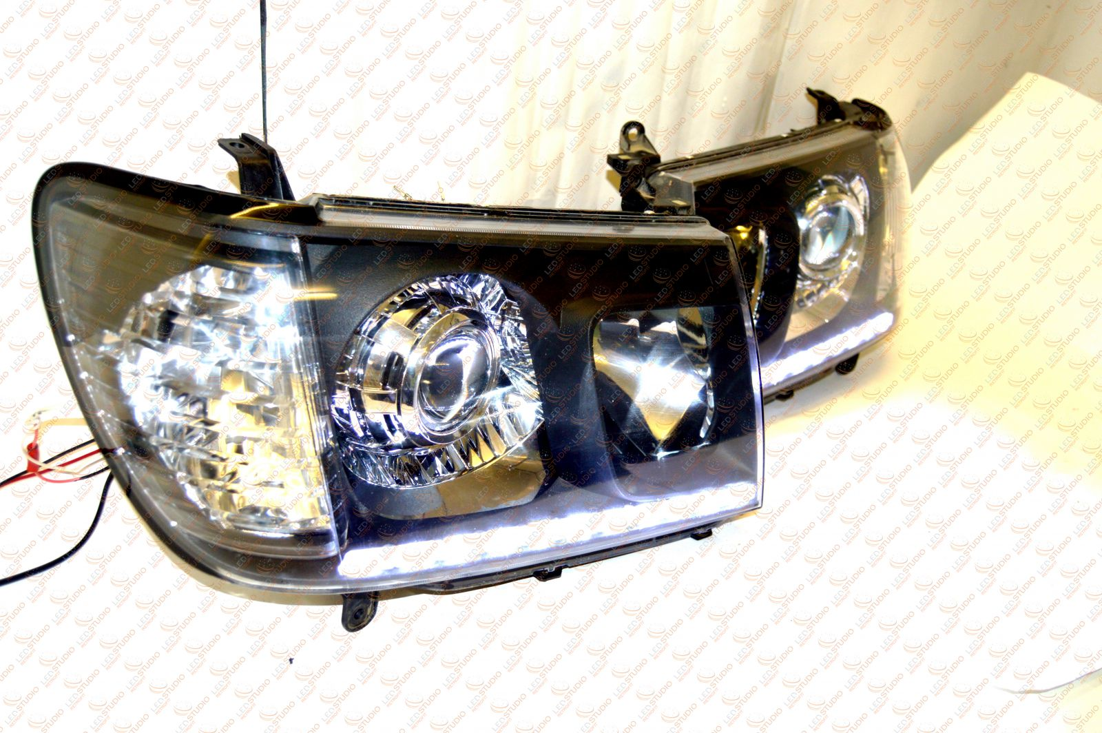 Bi Led фарыToyota Land Cruiser 100 06-