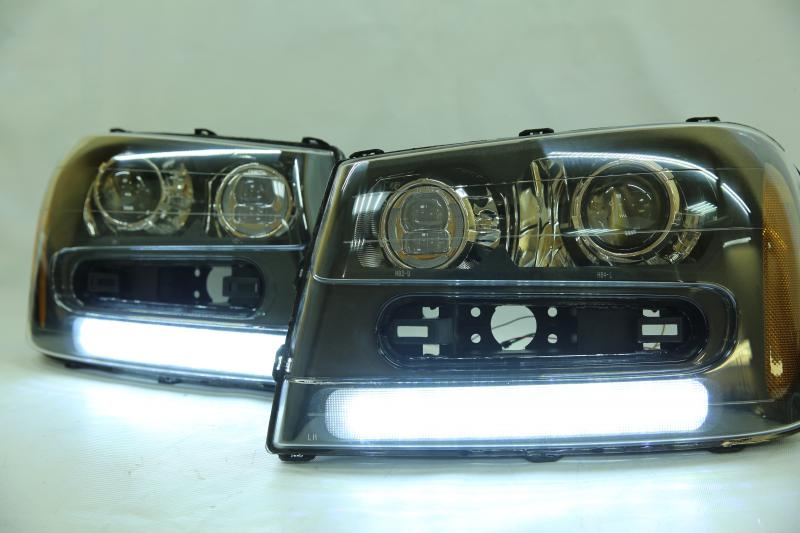 BiLed фары Chevrolet Trailblazer 02-09