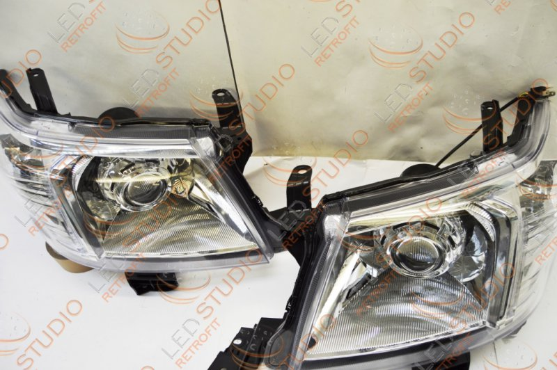 Бисветодиодные фары Toyota Hilux 11-