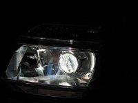 БИ КСЕНОНОВЫЕ ФАРЫ Toyota Voxy