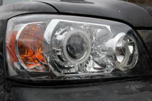 BiLed тюнинг фары Toyota Highlander 1 03-07 рестайлинг